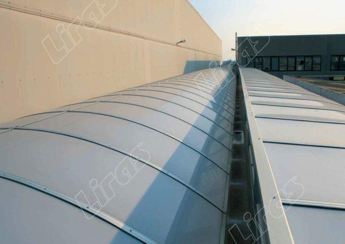 Lucernario industriale in plexiglass - Modello 3